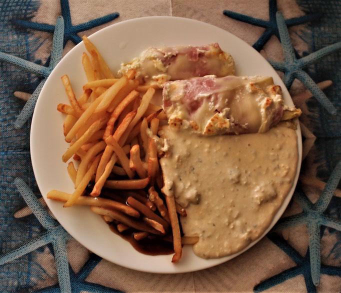 22.09.2019 Chicoree, gekochter Schinken mit Pommes und Käsesoße