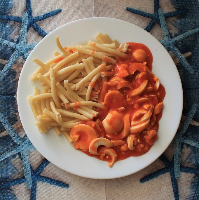 17.09.2019 Makkaroni (Nudeln) mit Eiern in Tomatensoße
