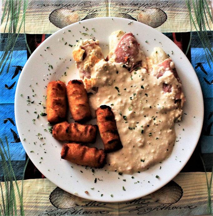 09.11.2019 Chicoree eingewickelt in Kochschinken und Käse, mit Kroketten und Käsesauce