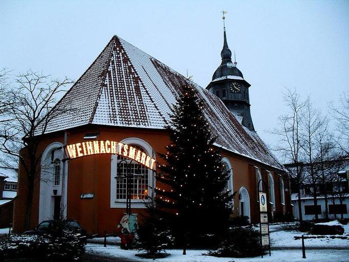 St. Liborius Kirche in Bremervörde, Ecke Kirchenstraße / Neue Straße, Weihnachtsmarkt