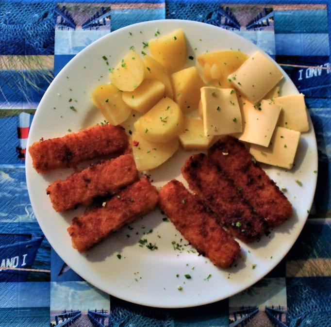 18.11.2019 Fischstäbchen mit Kartoffeln und Butter