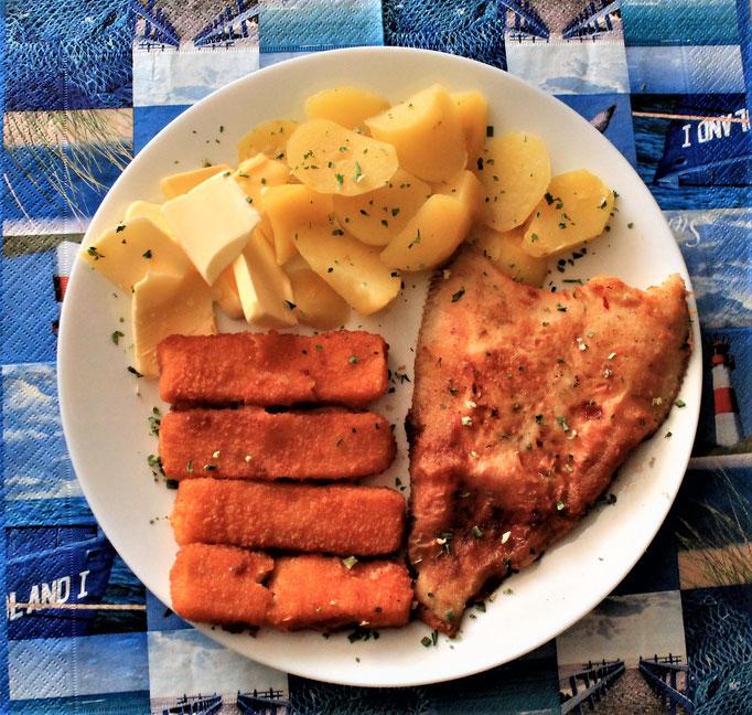 02.12.2019 Scholle, 4 Fischstäbchen mit Kartoffeln und Butter