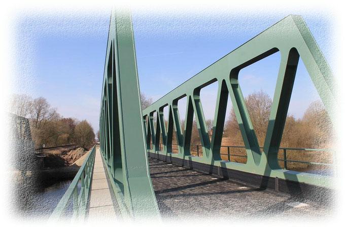 Neue Eisenbahnbrücke 2017