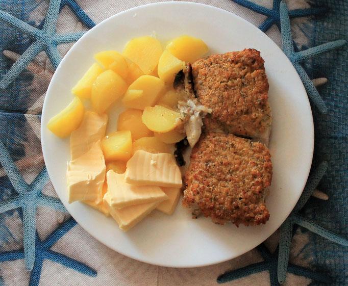 13.09.2019 Kräuterfisch (Seelachsfilet) mit Kartoffeln, Buttern und Kräutersoße