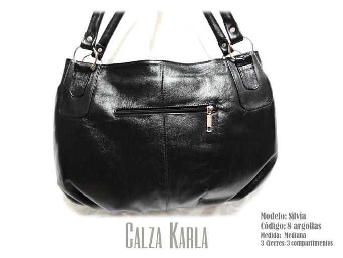 bolso de cuero negro