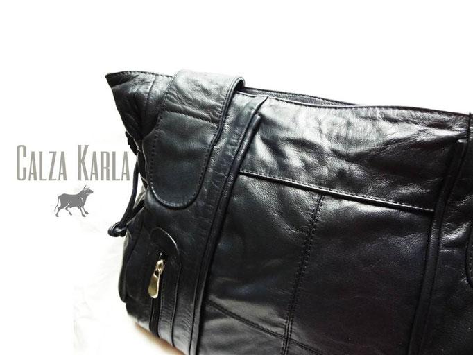 cartera de cuero negra calzado karla