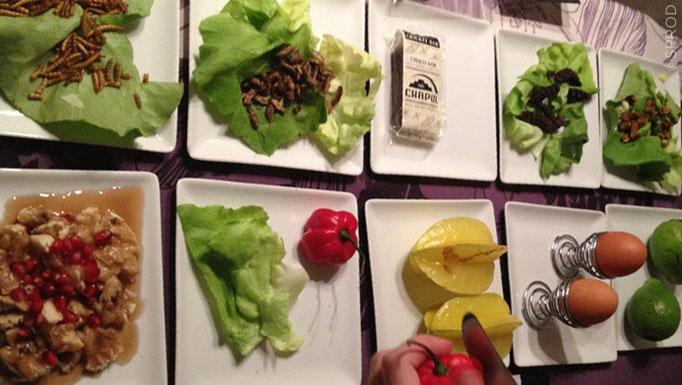 Production d'un quizz avec des plats exotiques à déguster, de jarres piégées et une finale