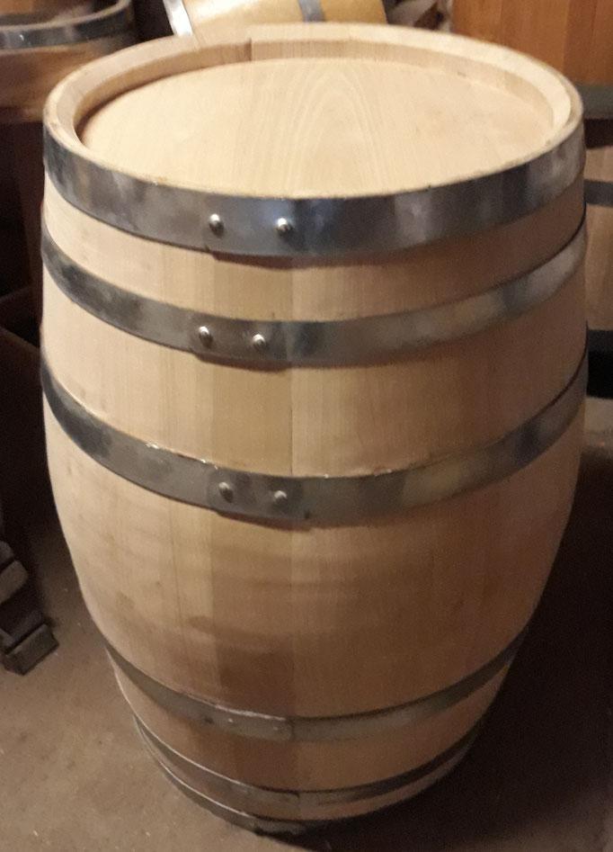 225 Liter Barriquefass aus Eichenholz.