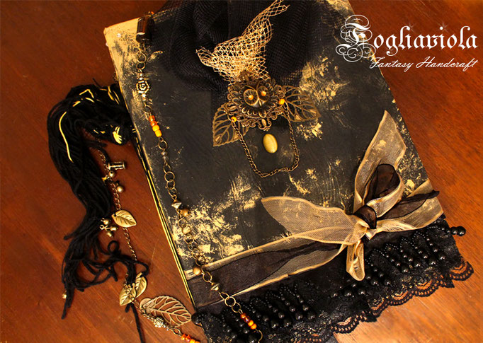 The Nightwatcher book + Necklace