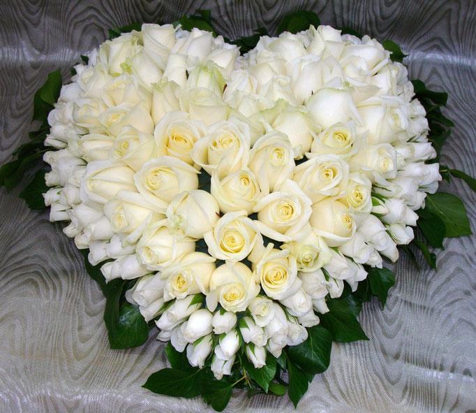 C1-Le Coeur de roses blanches