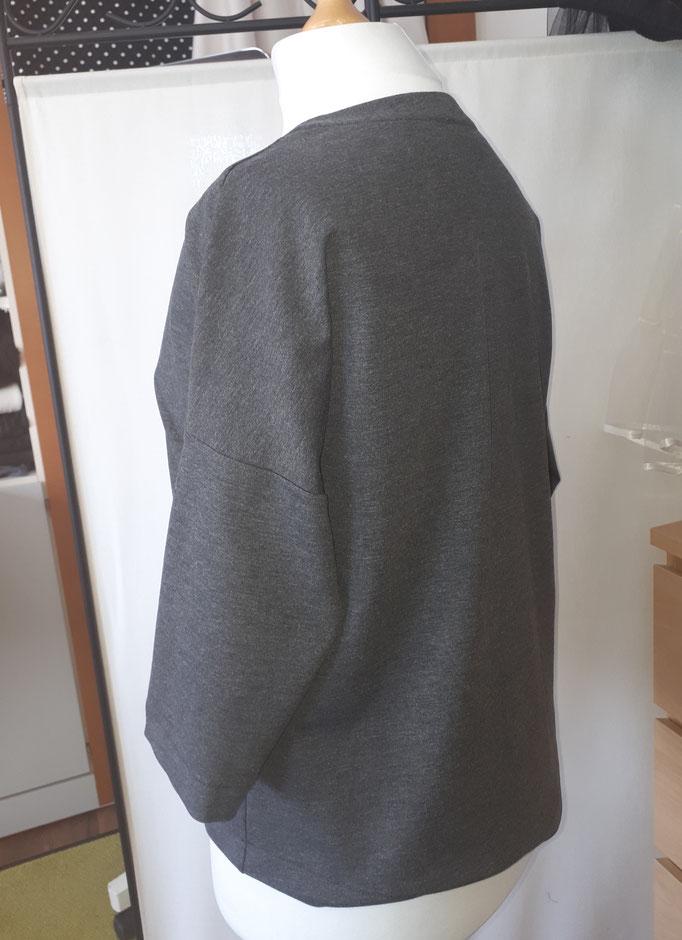 T-Shirt grau, gerade Form
