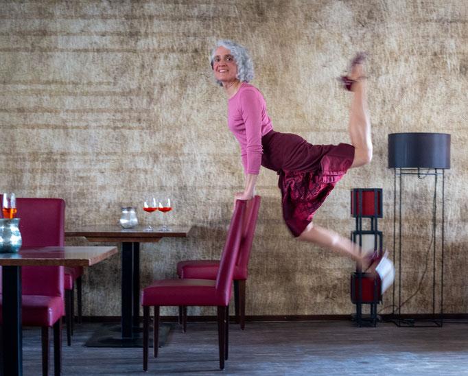Vintage Rock bordeaux für Tango und Swing. Ermöglicht auch den höchsten Boleo und Charleston Kick!