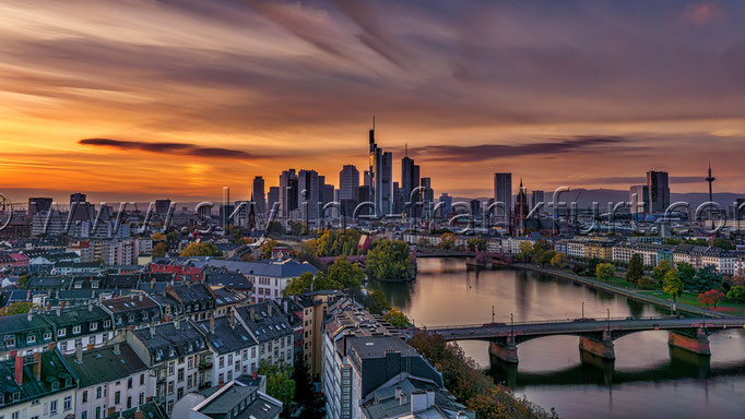 Skyline-Frankfurt-Quer-Neu-007