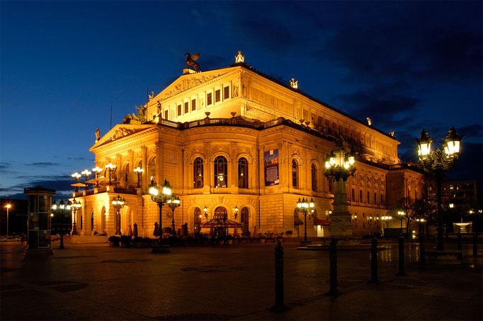 Opernplatz 02