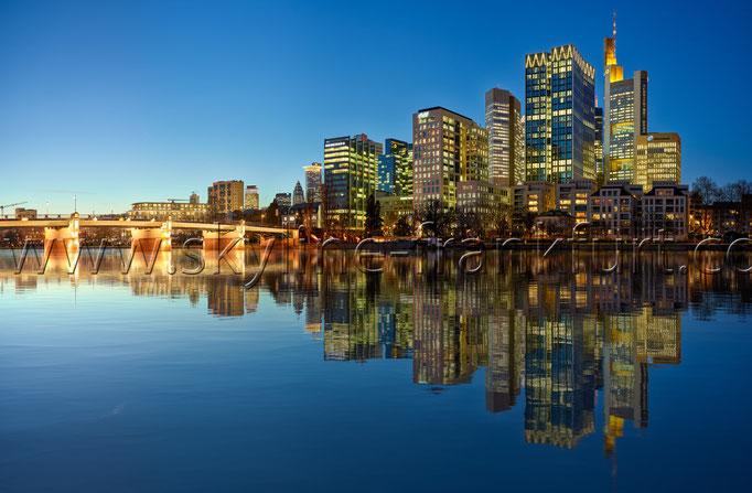 Skyline-Frankfurt-Quer-Neu-024