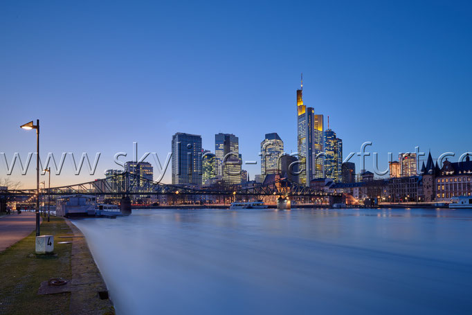 Skyline-Frankfurt-Quer-Neu-015