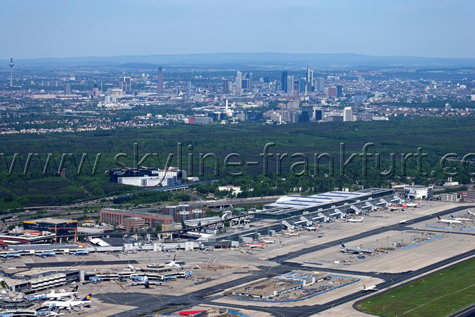Skyline-Frankfurt-Quer-Neu-001