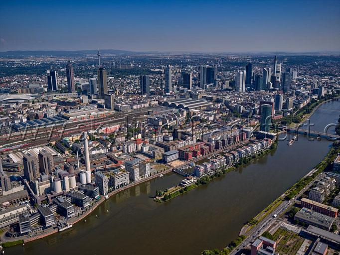 Skyline-Frankfurt-Quer-Neu-008