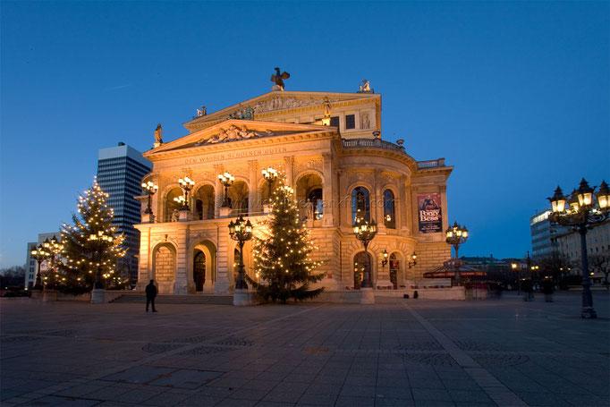 Opernplatz 13