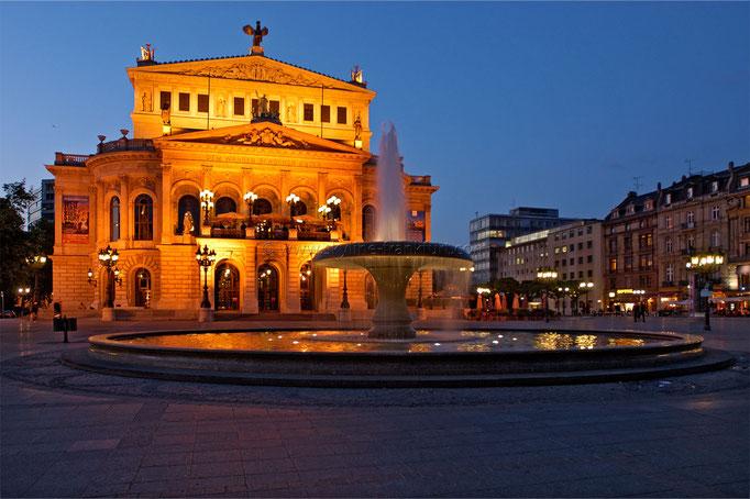Opernplatz 03