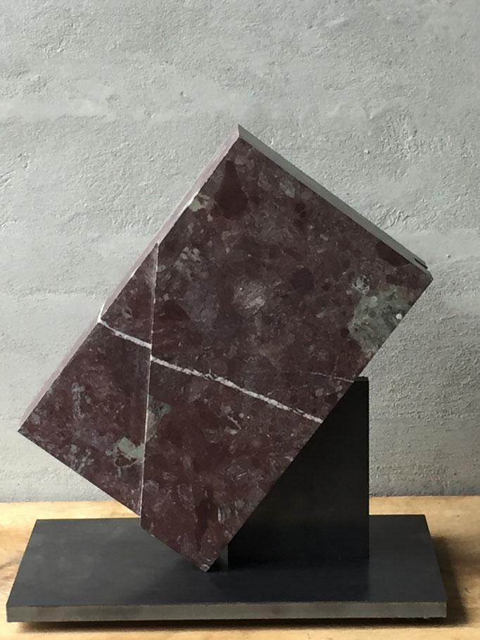 30 x 50 x 51 cm, Rouge de Collonges, Wallis
