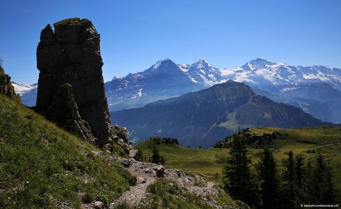 Mit herrlichem Blick auf Eiger, Mönch und Jungfrau