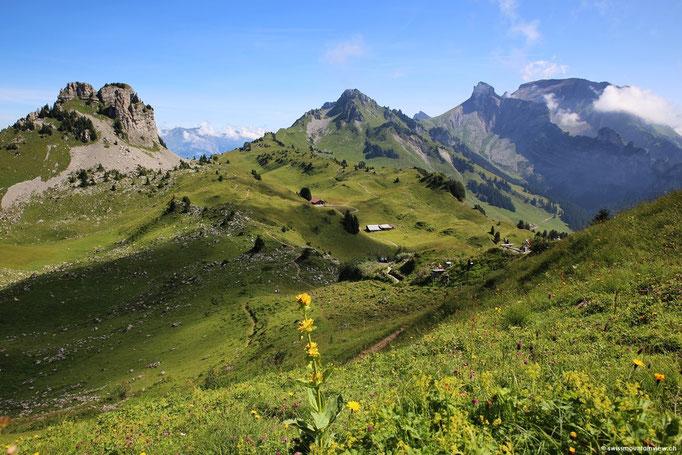 Frisch gestärkt geht es auf die Wanderung Richtung Oberberghorn.