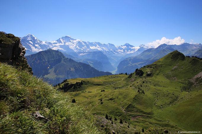 ...und die weiteren Gipfel des Berner Oberlandes.