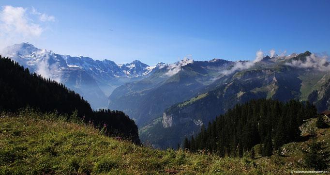 Aussicht aus der Zahnradbahn Richtung Lauterbrunnental.