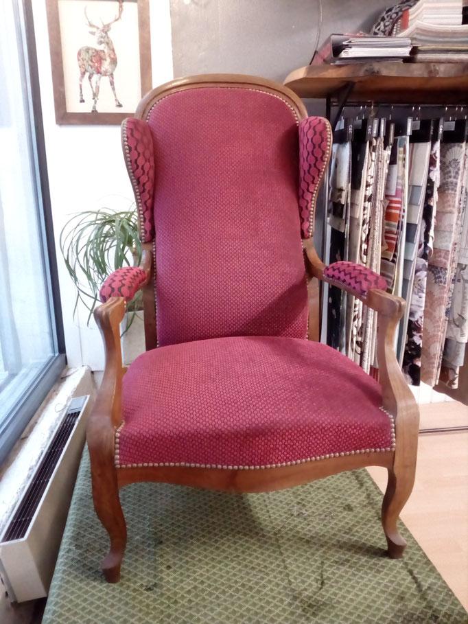 fauteuil voltaire tapissier décorateur Millau Au Petit Crin