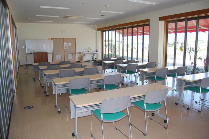 公園センター内の研修室及び多目的ホールは市原市公共施設予約システムから予約できます。