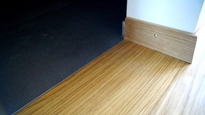 Detail Übergang Parkettboden zu Plattenbelag
