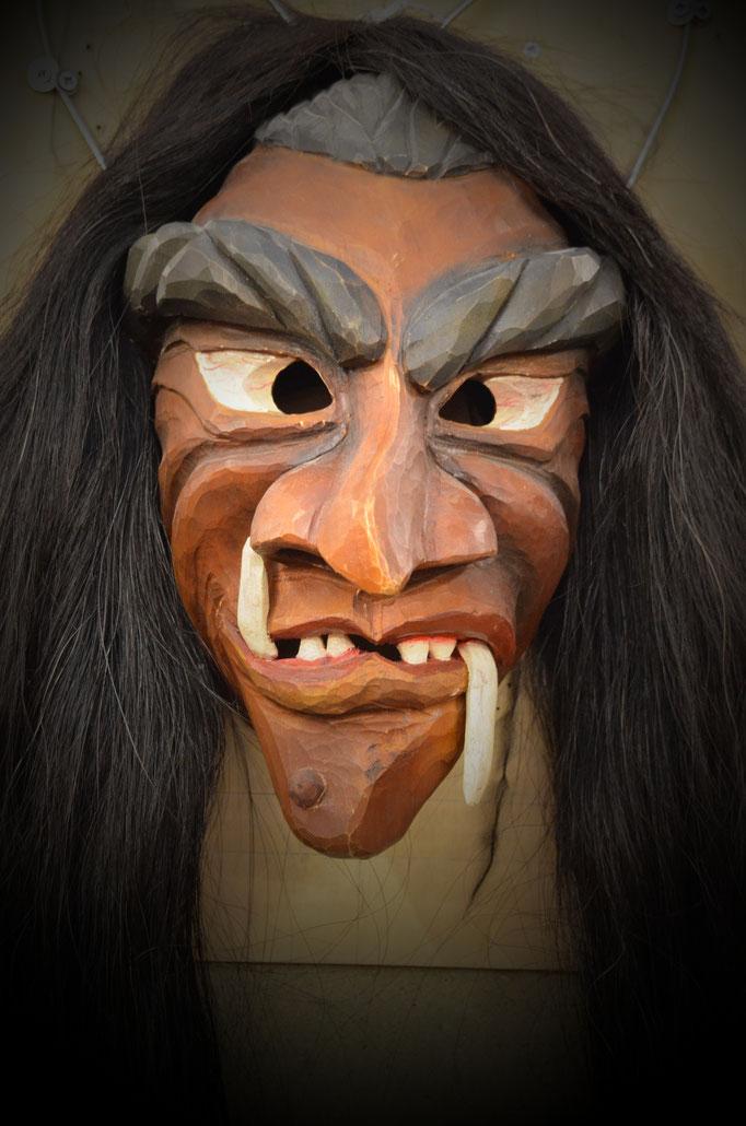 Holzmaske Hexenmaske