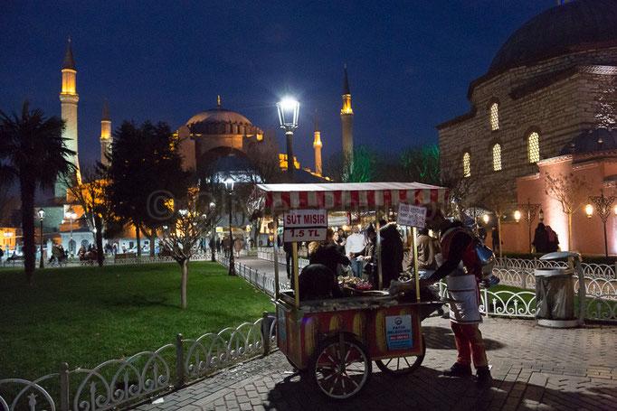 Istanbul - Devant Sainte-Sophie