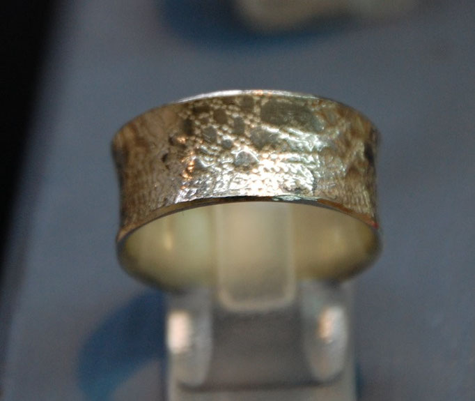 Ring mit eingewalzter Spitze