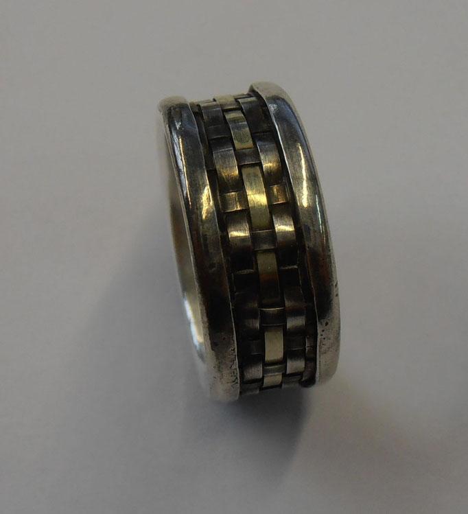 Ring mit gewebten Silber und Gold