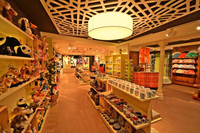 Resultado de imagen de reformas de tiendas marbella