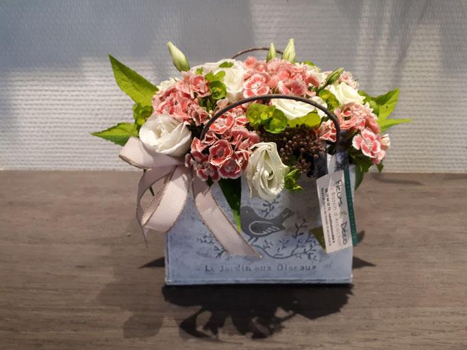N°) 11  centre de table œillet de poète, lisianthus blanc