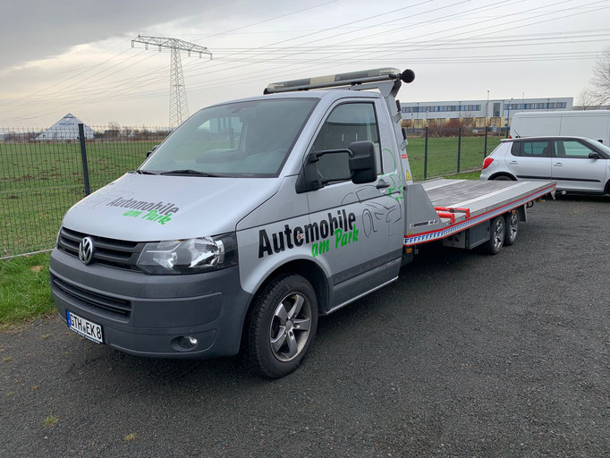 Fahrzeugüberführung - Automobile am Park