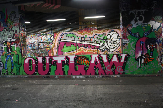 Flight (Outlaw by TYPE), Leake Street, 2009