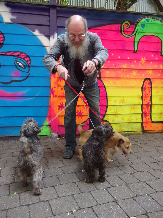 Dude with twisted dogs :)