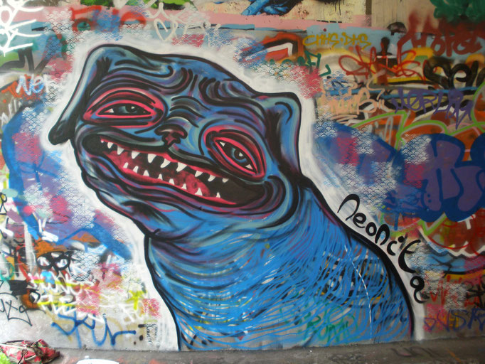 Happy Dog, Leake Street, London, 2009