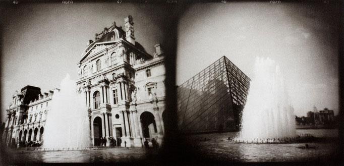 Paris Louvre, 2008, tirage au charbon, bichromie, atelier Fresson, format image 50 × 25 cm, 2/5, © Annick Maroussy