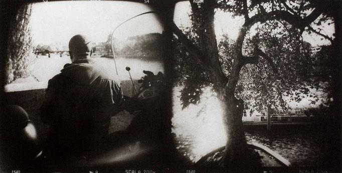 Paris Seine, 2008, tirage au charbon, bichromie, atelier Fresson, format image 50 × 25 cm,  1/5, © Annick Maroussy