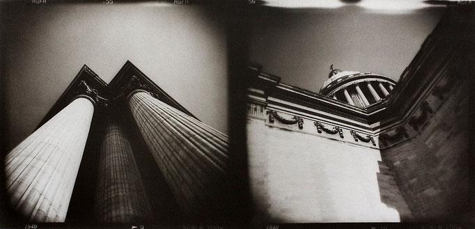 Paris Panthéon, 2008, tirage au charbon, bichromie, atelier Fresson, format image 50 × 25 cm,  1/5, © Annick Maroussy