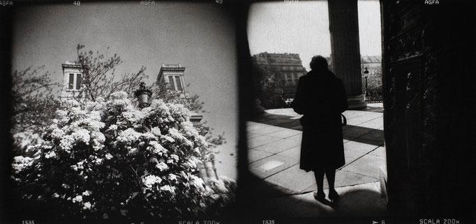 Paris Saint-Vincent-de-Paul, 2008, tirage au charbon, bichromie, atelier Fresson, format image 50 × 25 cm,  1/5, © Annick Maroussy