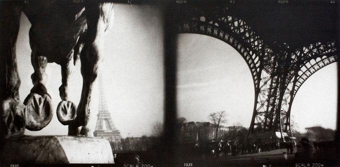 Paris Eiffel (1), 2008, tirage au charbon, bichromie, atelier Fresson, format image 50 × 25 cm,  1/5, © Annick Maroussy