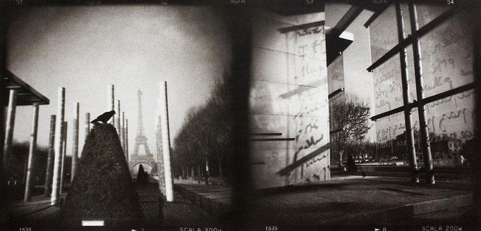 Paris Eiffel (2), 2008, tirage au charbon, bichromie, atelier Fresson, format image 50 × 25 cm,  1/5, © Annick Maroussy
