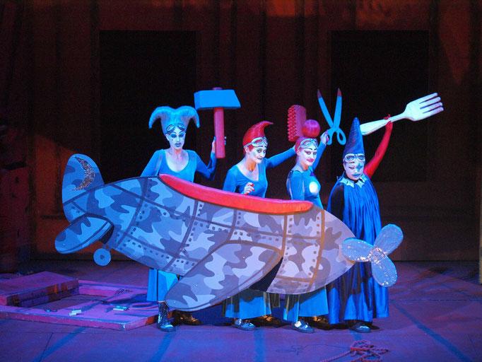 Die Zauberflöte Theater an der Wien © Armin Bardel - Julia Oesch (Dritte Dame), Hermine Haselböck (Zweite Dame) & Malin Byström (Erste Dame), Sen Guo (Königin der Nacht)