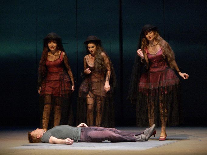 Die Zauberflöte @Theater an der Wien (2006): Natela Nicoli (Dritte Dame), Sabine Cvilak (Erste Dame), Hermine Haselböck (Zweite Dame) & Pavol Breslik (Tamino)